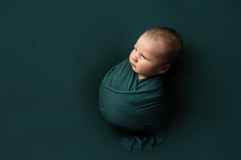 mini-newborn-photoshoot